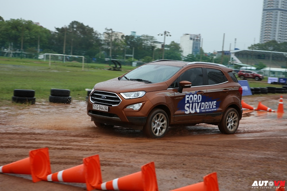 Ford SUV Drive