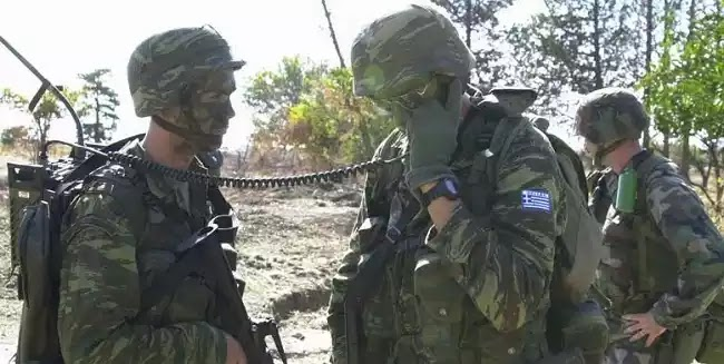 Καταιγιστικές εξελίξεις στην υπόθεση της παρενόχλησης νεαρής από στρατιωτικό στη Λαμία