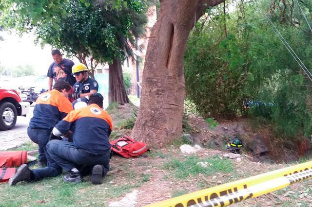 Encuentran cadáver en el Atoyac