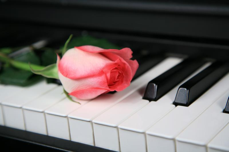 Dating start piano