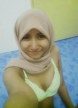 Cerita Sex Dewasa Ngentot Jilbab Perawan