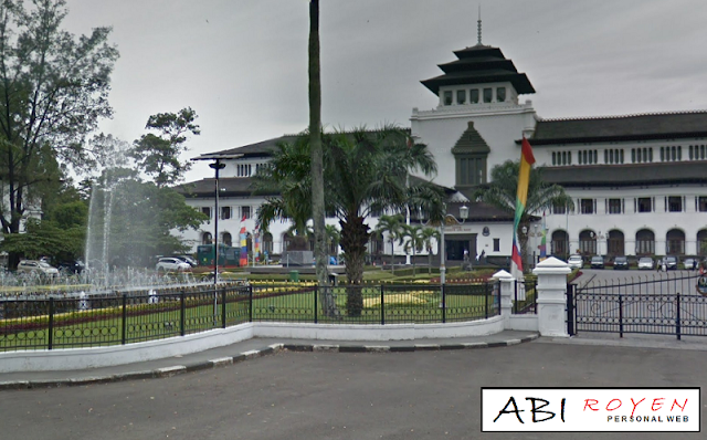 Restoran%2BUnik%2Bdi%2BBandung 7 Restoran Unik di Bandung yang Paling Seru Untuk Dikunjungi