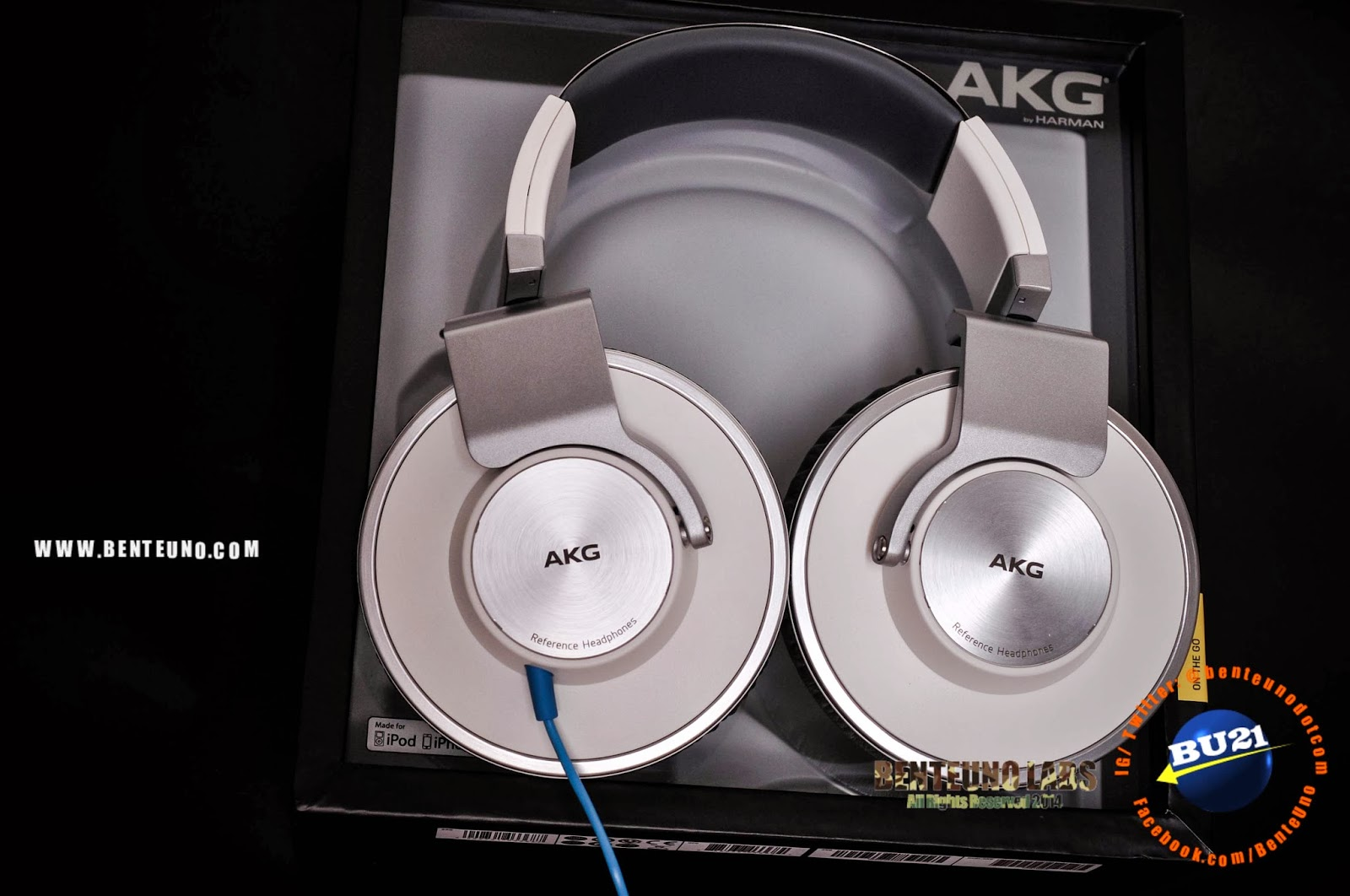 AKG K551 out of the box