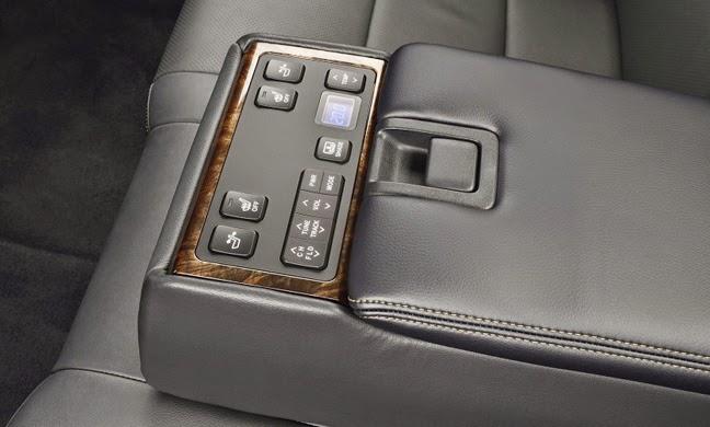 2015 Toyota Camry facelift 37 - Toyota Camry 2015: Động cơ 2.0 lít công nghệ VVT-iW phun xăng trực tiếp, 6 số tự động - Muaxegiatot.vn