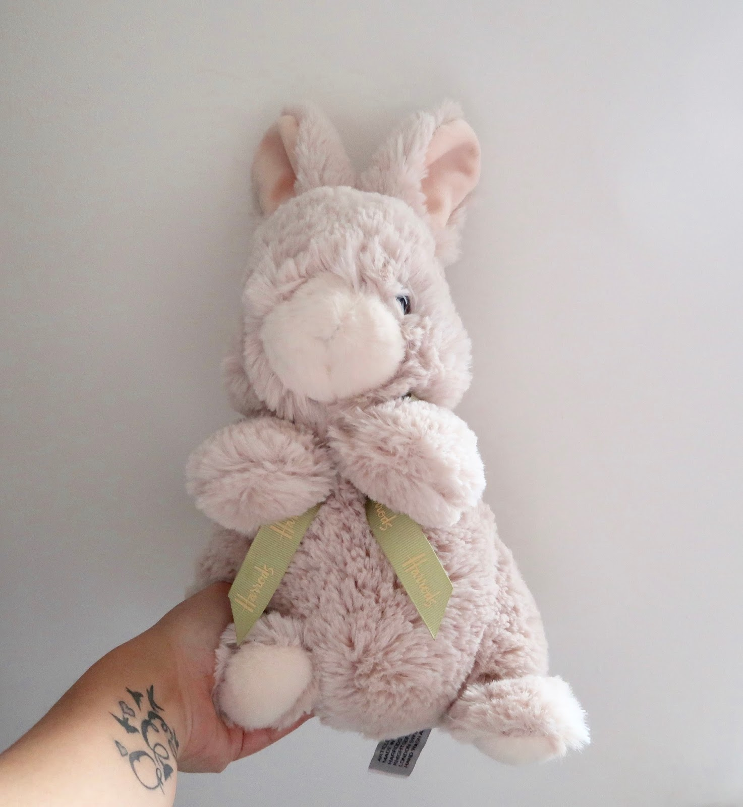 A collectable easter gift from harrods kerry louise norris this year we were kindly sent a harrods easter soft toy for the girls ive decided to give it to ophelia as we actually collect harrods teddy bears and negle Image collections
