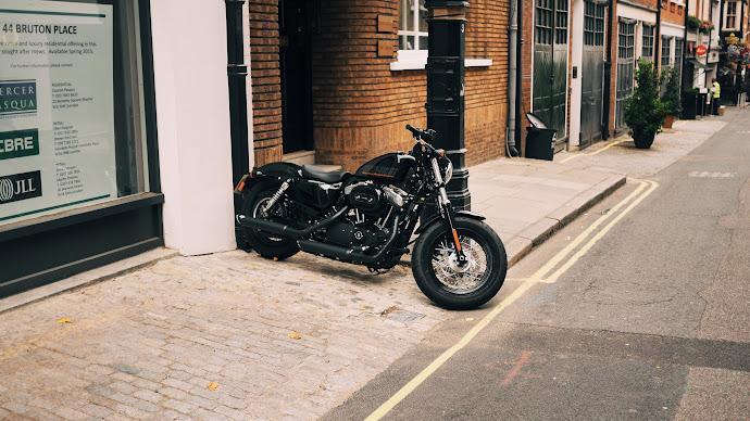 Wallpaper: Harley Davidson on London streets