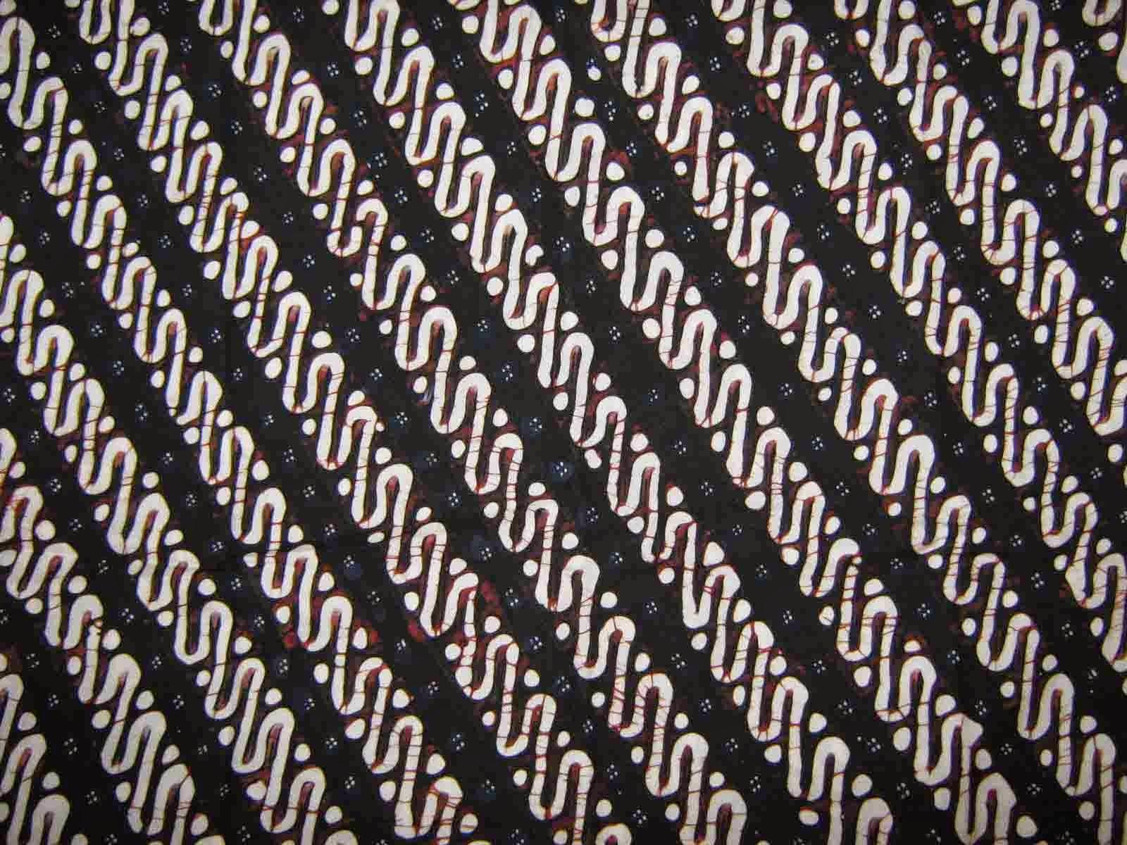 Batik Solo  motif batik Solo hampir berdekatan dengan motif batik Yogya.  Namun 396a9174fe
