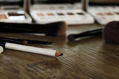 Tips cerdas mengaplikasikan eyeliner wardah
