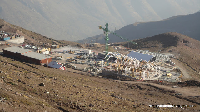 Obras do novo teleférico no Valle Nevado