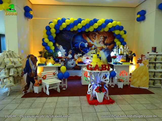 Decoração de festa de aniversário infantil tema da Bela e a Fera - Mesa decorada na Barra RJ