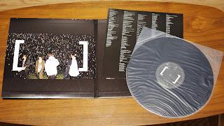 画像は 1 枚のみだが、LP は 2 枚組仕様