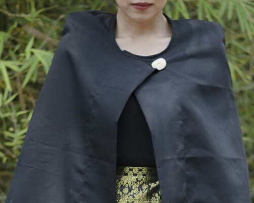 Tinuku.com Kukaind studio presenting Poncho Kerinci works integrate woven ethnic style Palembang Songket