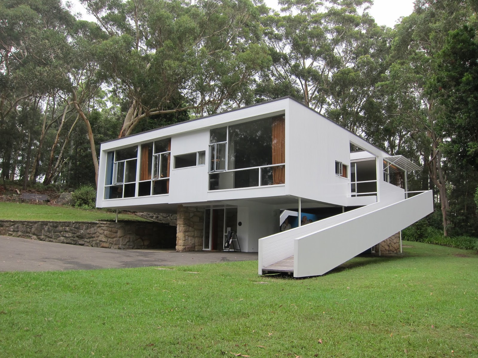 Jenny lin architectural studies rose seidler house for Minimalist house sketchup