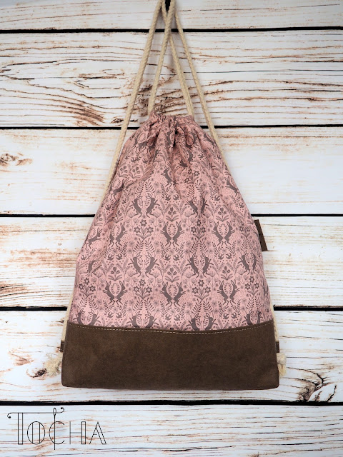 drawstring bagpack, rope tied bag, bag, rucksack, duffel bag, duffle bag, hare, rabbit, spring hare, Lewis & Irene, Washpapa, vegan leather, March hare, spring, beach bag, washable paper, craft paper, printed coton, quilting cotton,