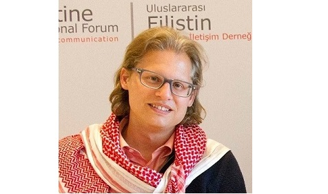 Wartawan Terkenal Asal Jerman Ini Ucapkan Syahadat Ketika Idul Fitri