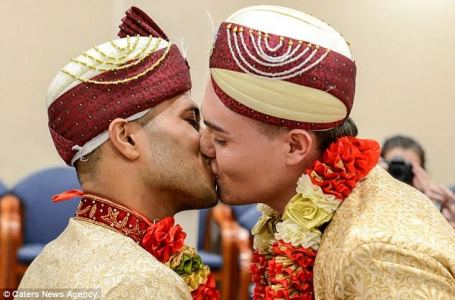 First ever gay Muslim wedding takes place in the United Kingdom