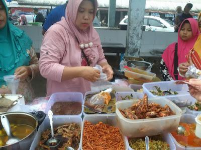 Pasar Beduk Membawah Berkah Bagi Pedagang Takjil