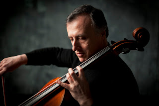 Raphael Wallfisch - photo Benjamin Ealovega