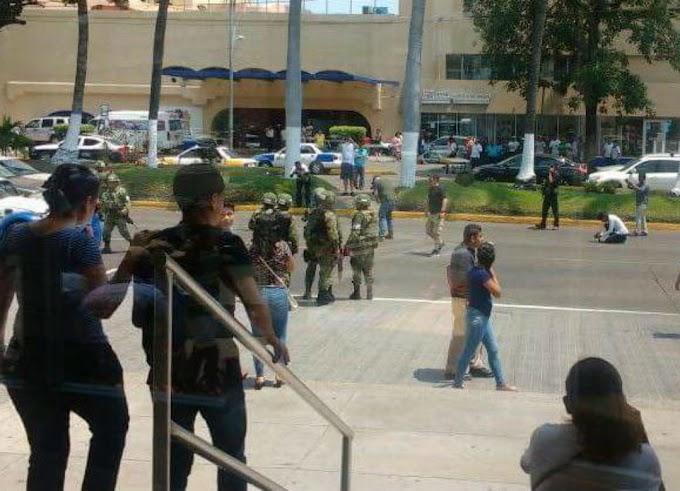 Robo de taxi desata balacera y pánico en la costera de Acapulco; hay un herido