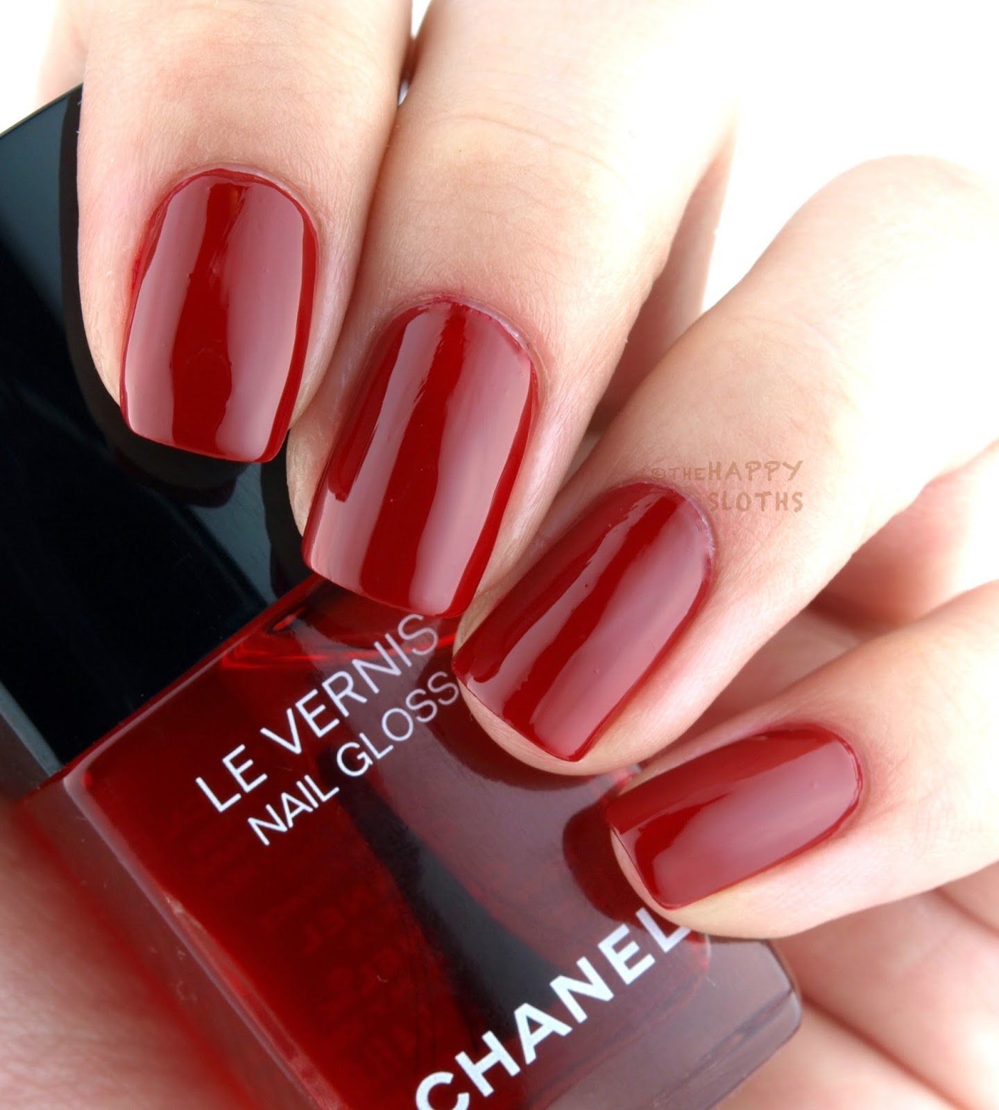 Vernis Nail: Chanel Fall 2016 Le Rouge N°1 Collection