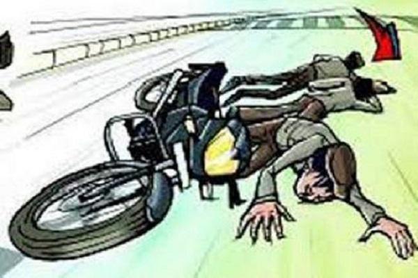 छरबा रोड पर दो बाइकों की टक्कर, 2 युवकों की मौत