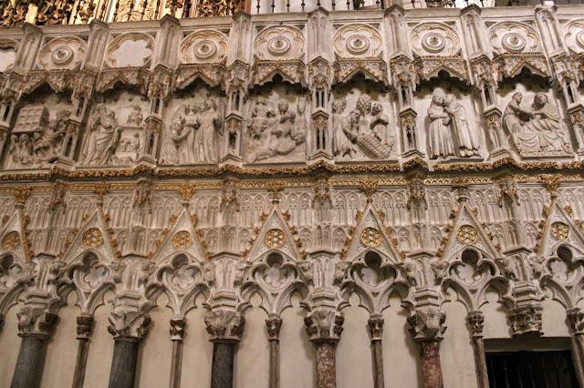 Decoración del interior de la catedral de Toledo