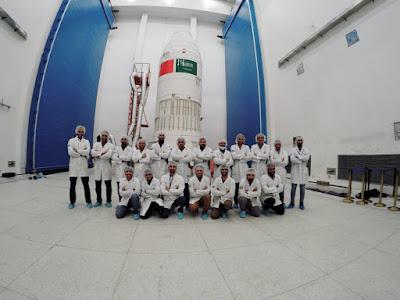 السعودية تطلق القمرين الصناعيين A5 و B5 للفضاء بنجاح