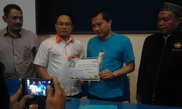 Anang Hermansyah bersama Direktur LAZISMU dan Ketua PDM Jember