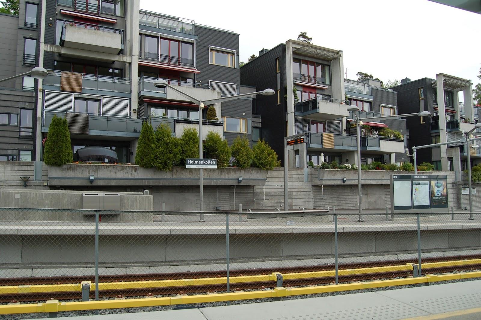 Norwegia, Oslo, Holemnkollen, przystanek metra