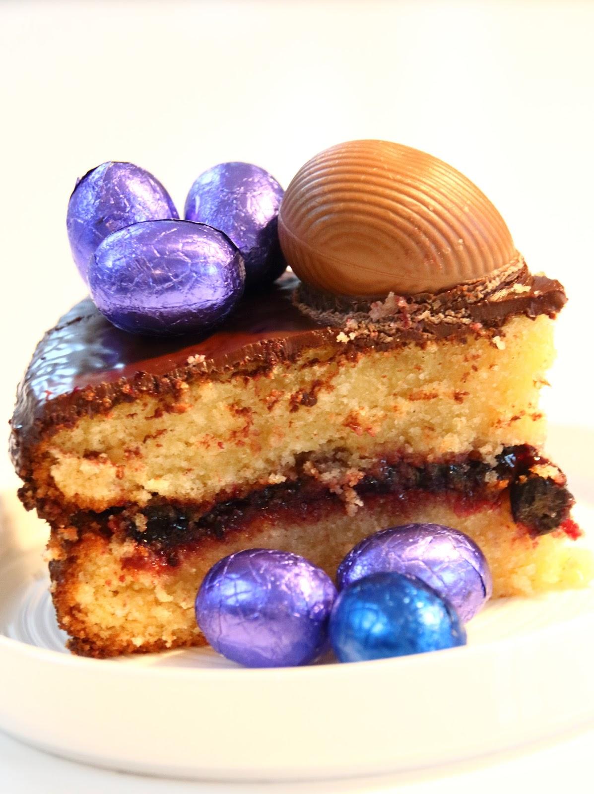 Designedlifeblog.blogspot.com Easter egg dump cake