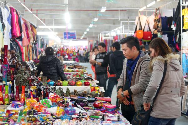 Khu chợ đêm Hạ Long, thiên đường mua sắm