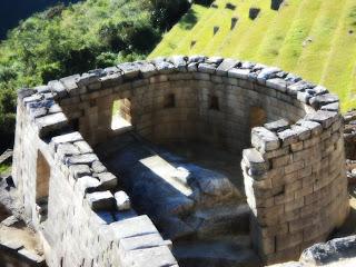 Templo do Sol de Machu Picchu: Sol Entrando pela Janela do Templo do Sol