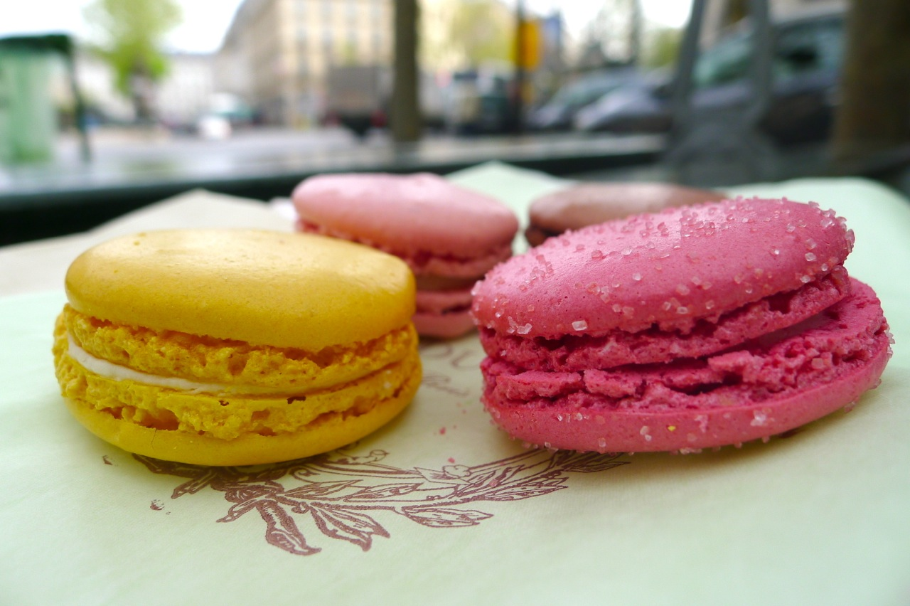 HUNGRY HOSS: A Beginner's Guide To The Best Macarons in Paris