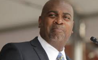 Newark Mayor Calls Trump's Plan on Sanctuary Cities 'Fugitive Slave Catchers'