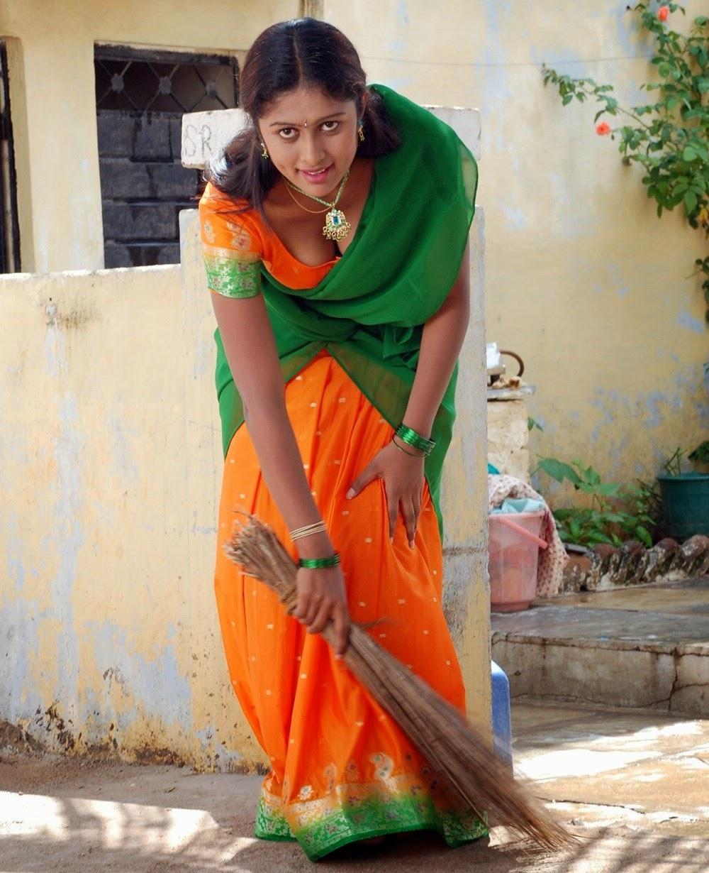 Vinutha Lal Hot Cleavage Show Pics_Malayalam Sexy Actress - HD