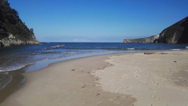 Sito me aconseja acercarme a la playa de La Franca 03b5fae104b