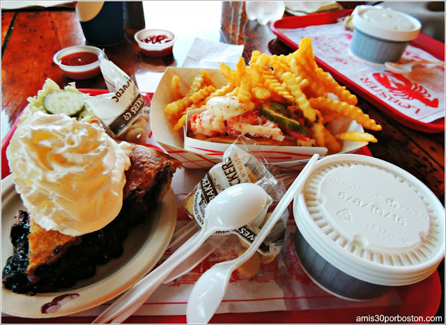 The Lobster Shack en Two Lights: Lobster Roll, Clam Chowder & Tarta de Arándanos de Maine