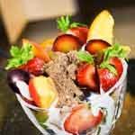 Frutas com linhaça dourada