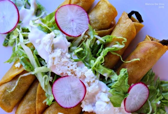 Tacos de rajas de chile poblano by www.unamexicanaenusa.com