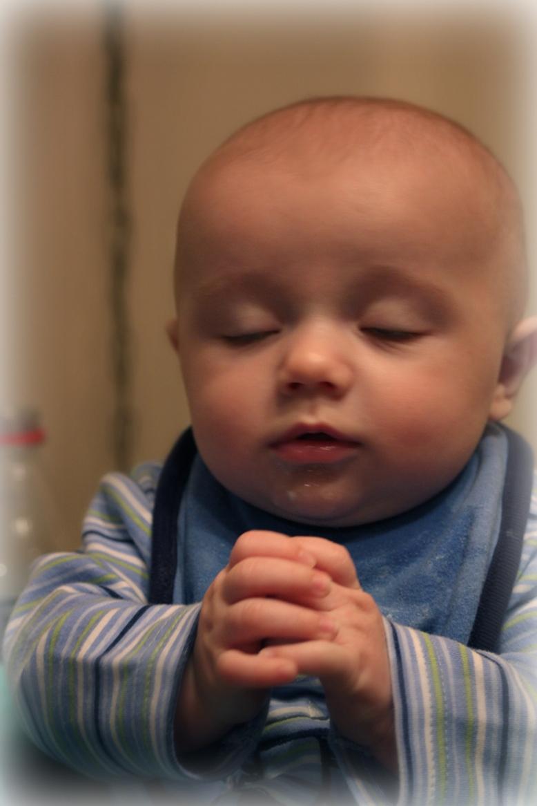 Anak Kecil Gambar Orang Berdoa Kristen