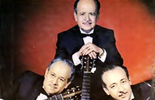 Los Hermanos Martinez Gil - Chacha Linda