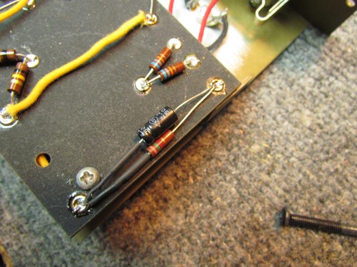 Cathode bypass capacitor series resistor - Old hindi raj kapoor movies