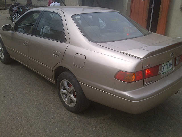 Extremely Clean Nigeria Used Toyota Camry For Sale In Lagos At A