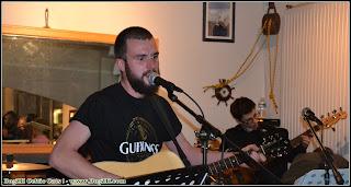 Fabien guitare folk et Gwenolé basse électrique