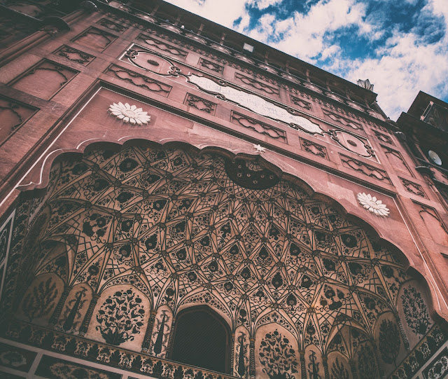 Travel Mosques of Lahore Pakistan Amjad Nawaz Badhshahi masjid