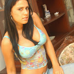 Andrea Rincon, Selena Spice Galeria 34 : Blue Jean Y Blusa Con Flores Foto 9