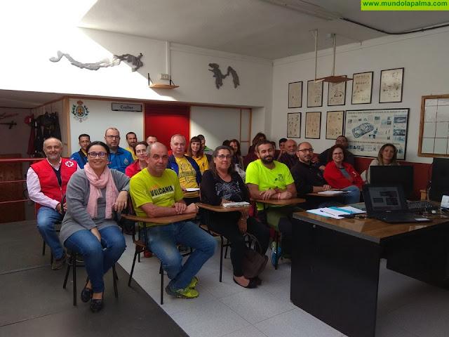 El Cabildo reúne a distintos colectivos voluntarios en un curso para valorar las experiencias vividas en casos de emergencias