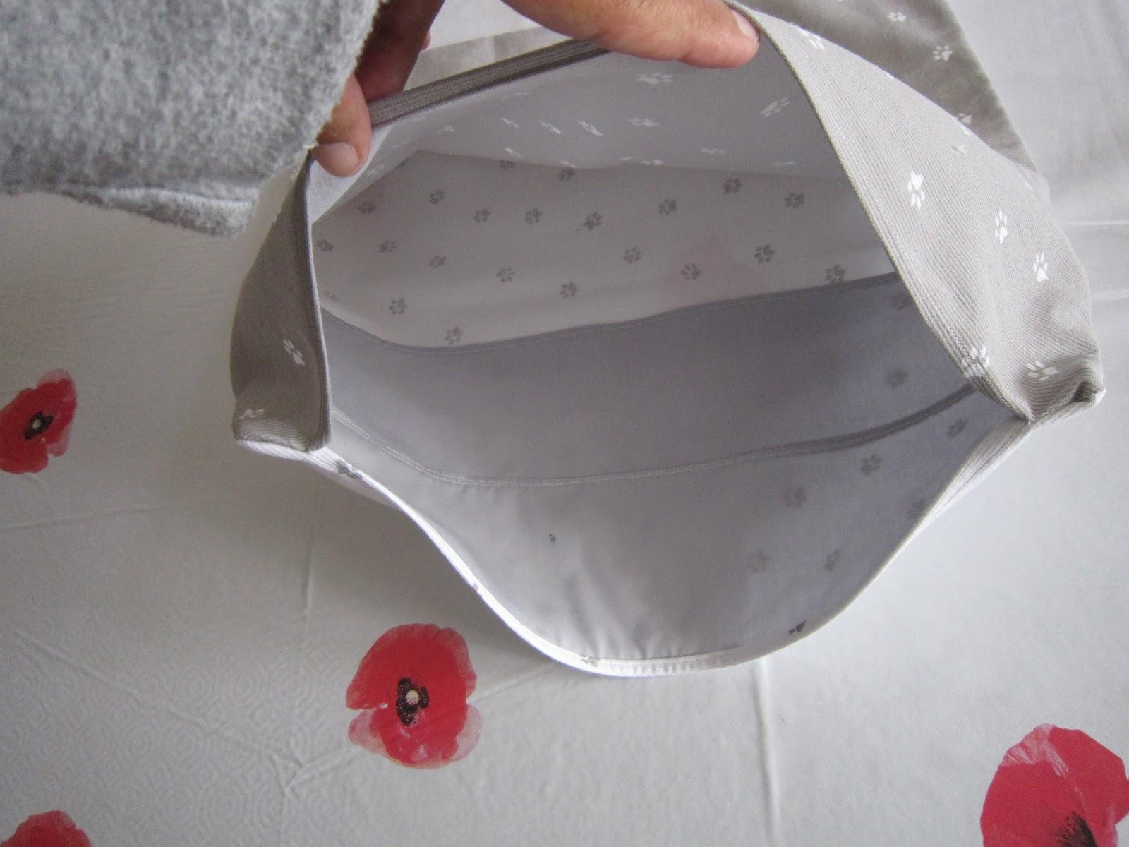 couture pour debutant e s coudre une housse de coussin avec une fermeture en porte feuille. Black Bedroom Furniture Sets. Home Design Ideas