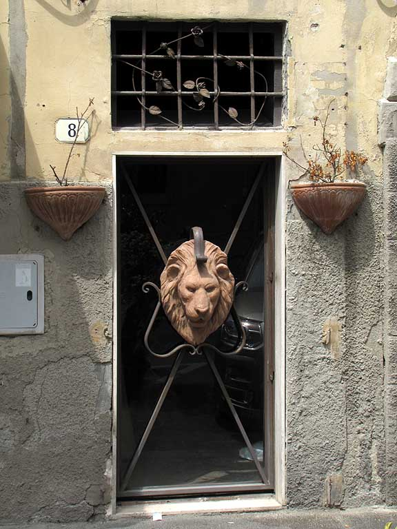 Lion head, door, Livorno