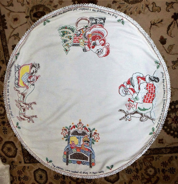 Embroidered Christmas Table Topper